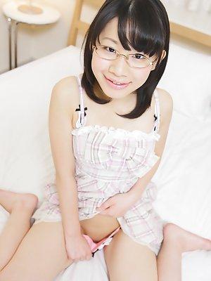 Asian Glasses Teen - Glasses Asian Teen.