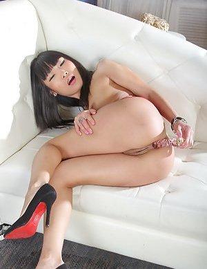 Dildo Asian Teen