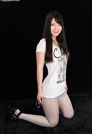 pantyhose in Asian girls