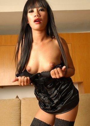 Striptease Asian Teen