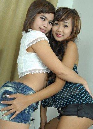 Lesbian Humping Asian Teen